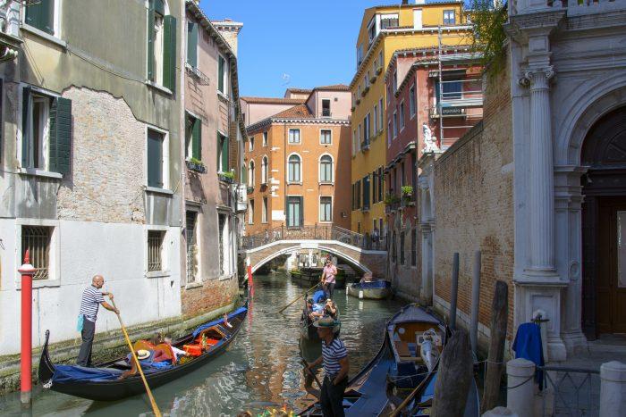 liten kanal venedig