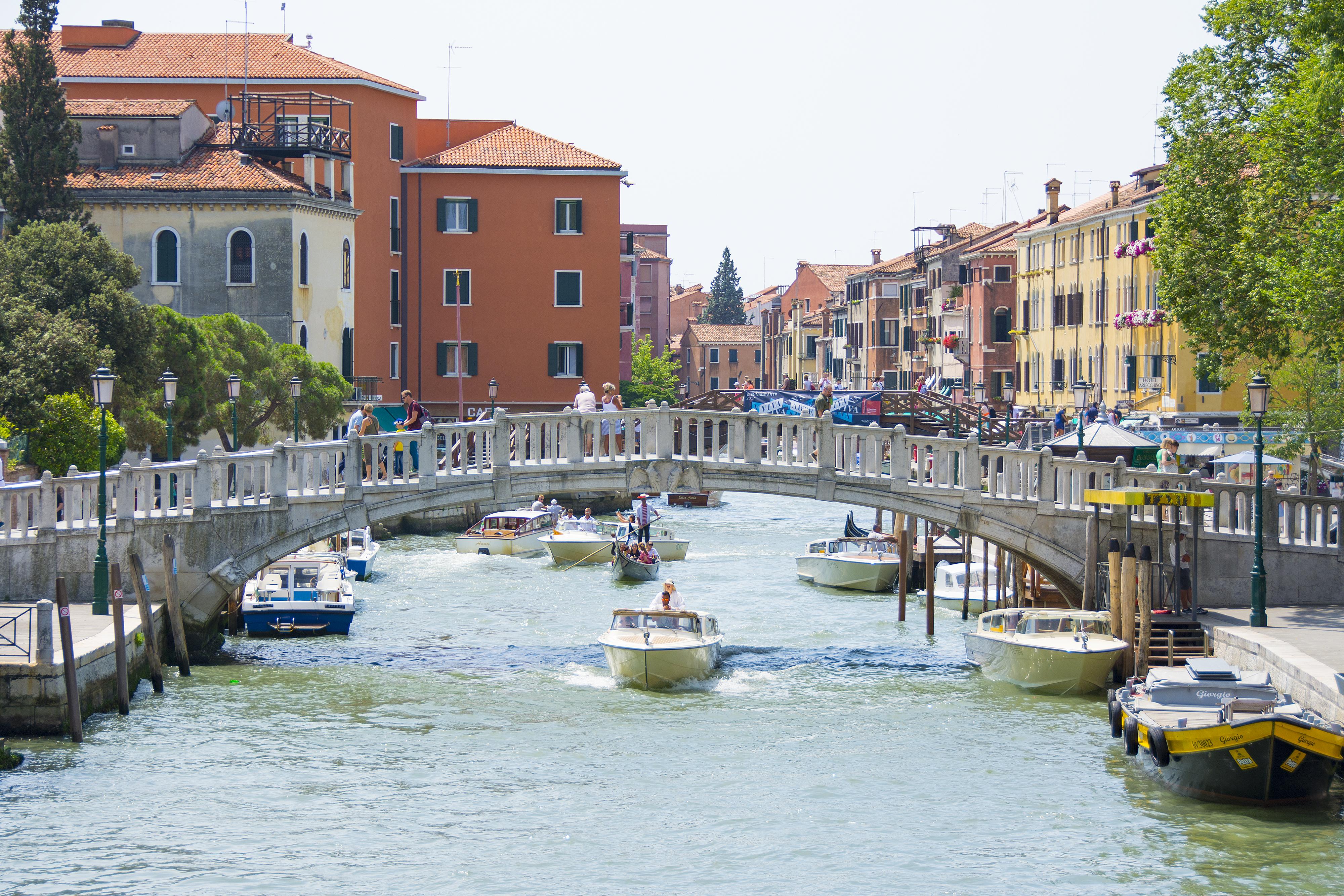 venedig kanal och bro
