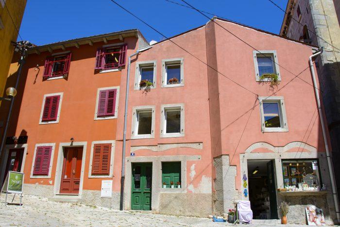 vackra hus labin kroatien