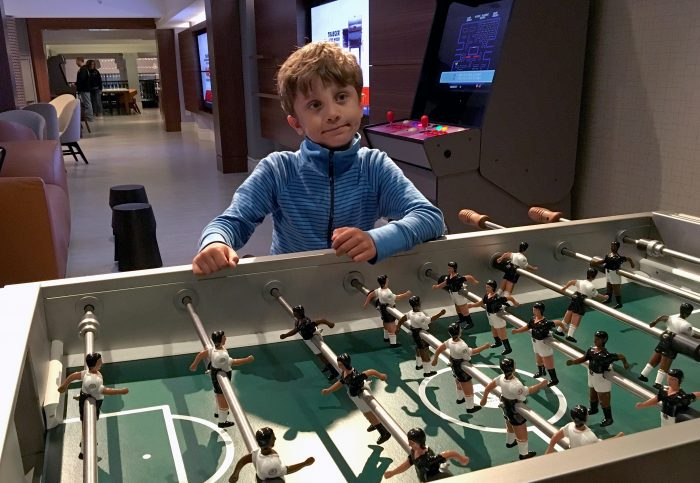 axiom hotel fotbollsspel