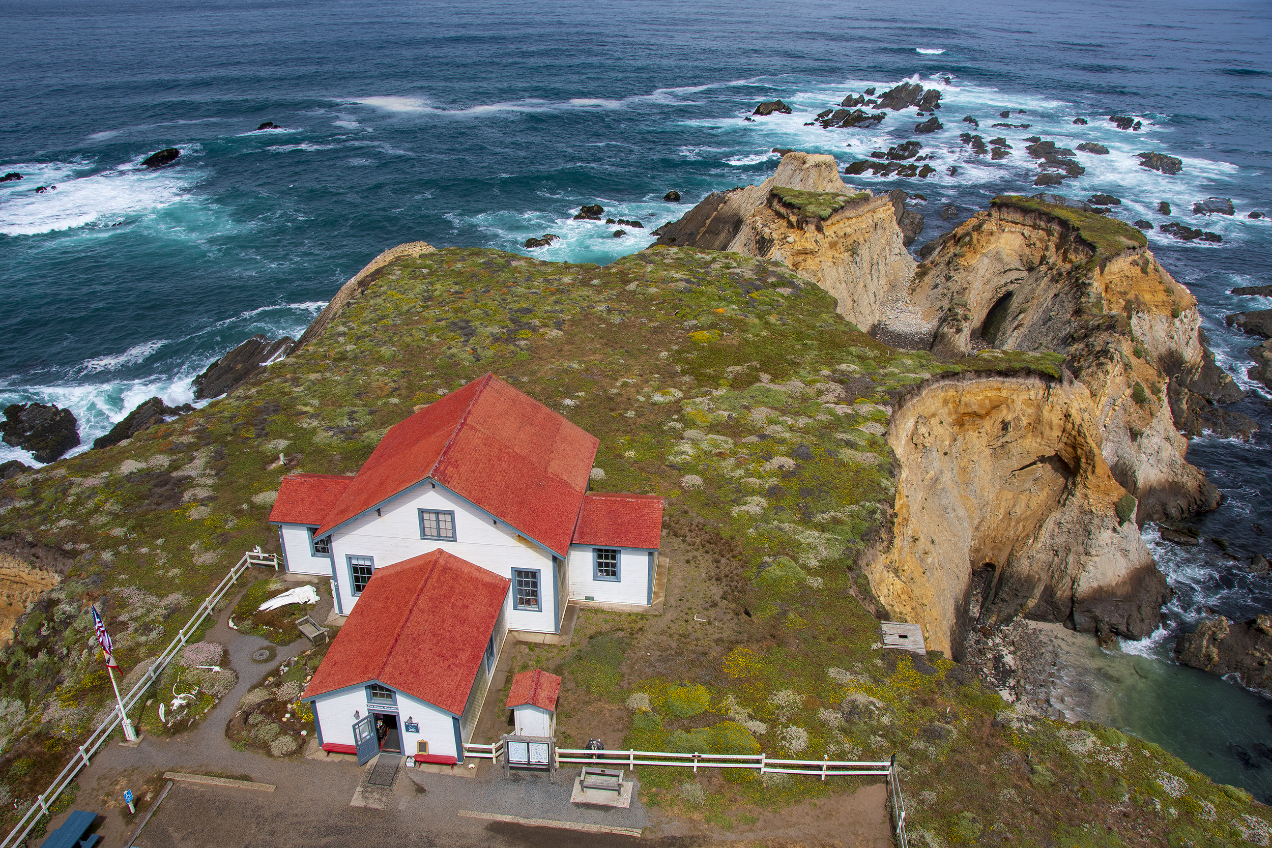 point arena lighthouse devils punchbowl 2500
