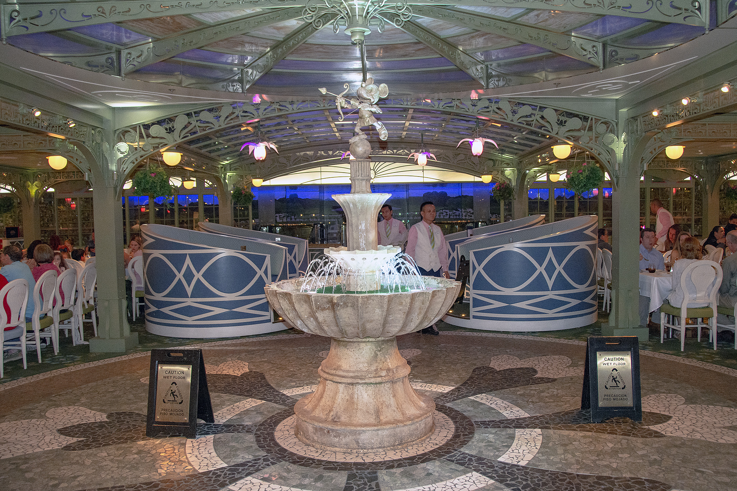 Enchanted garden disneykryssning disney dream