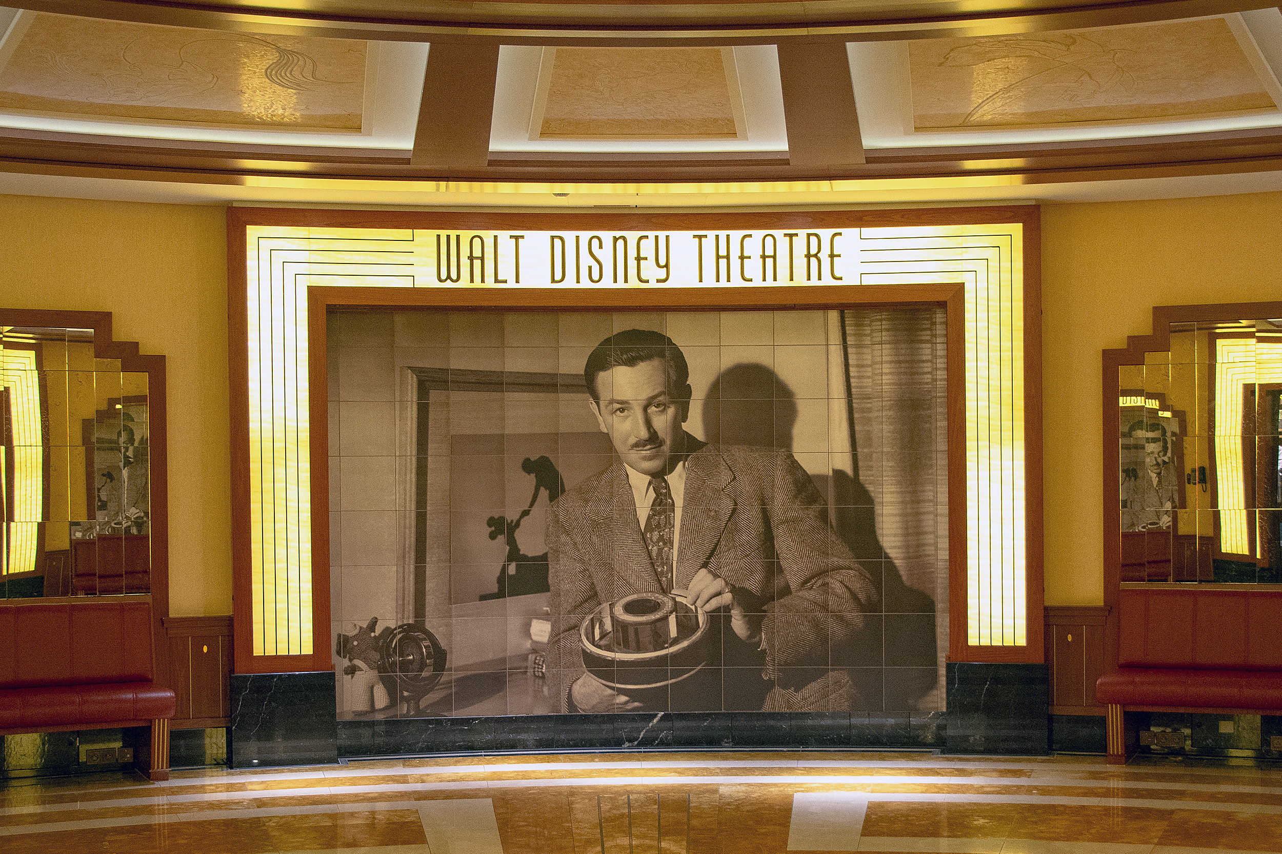 walt disney theatre disney dream disneykryssning