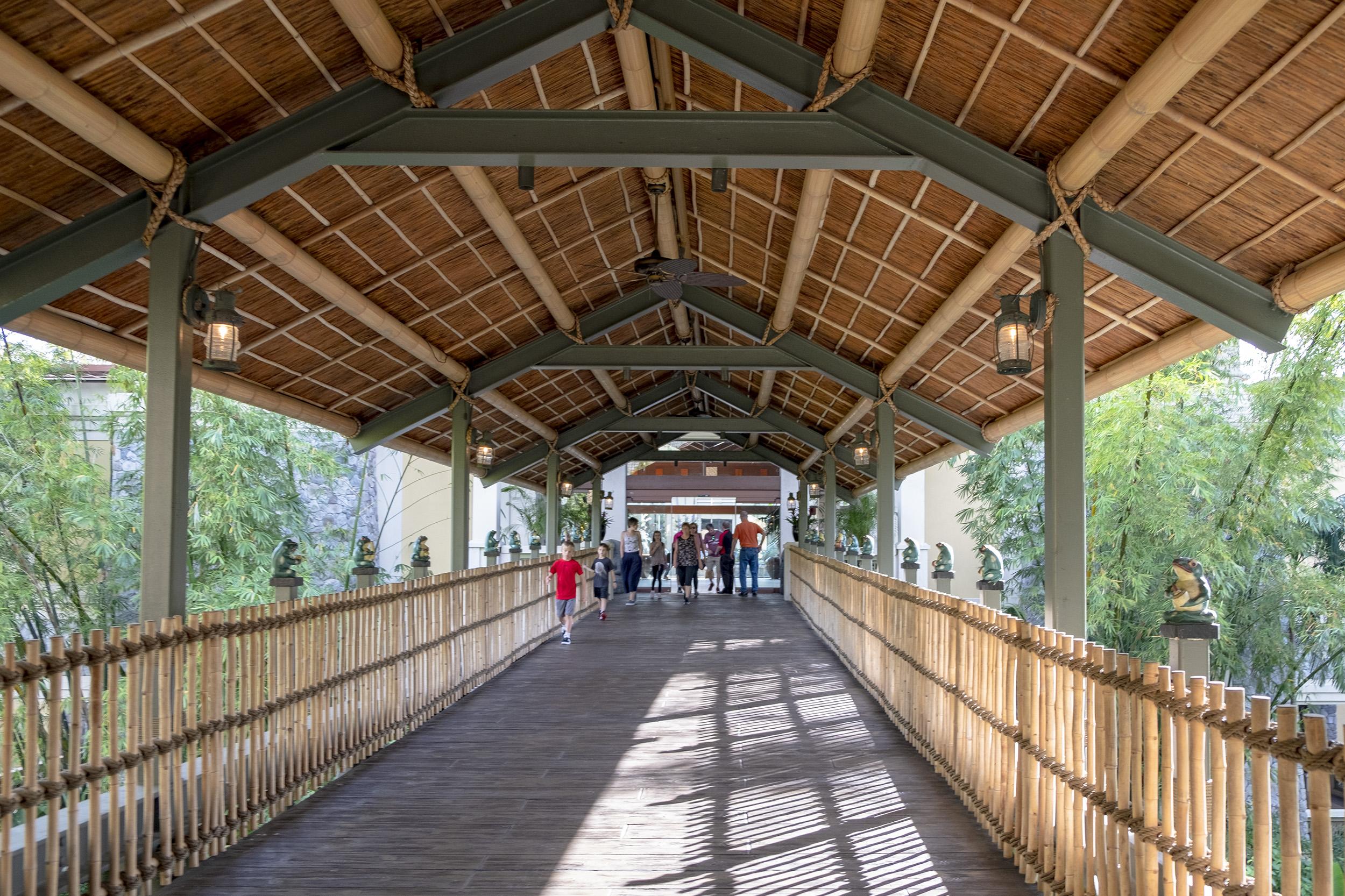Loews Royal Pacific Resort Universal Orlando Entrance