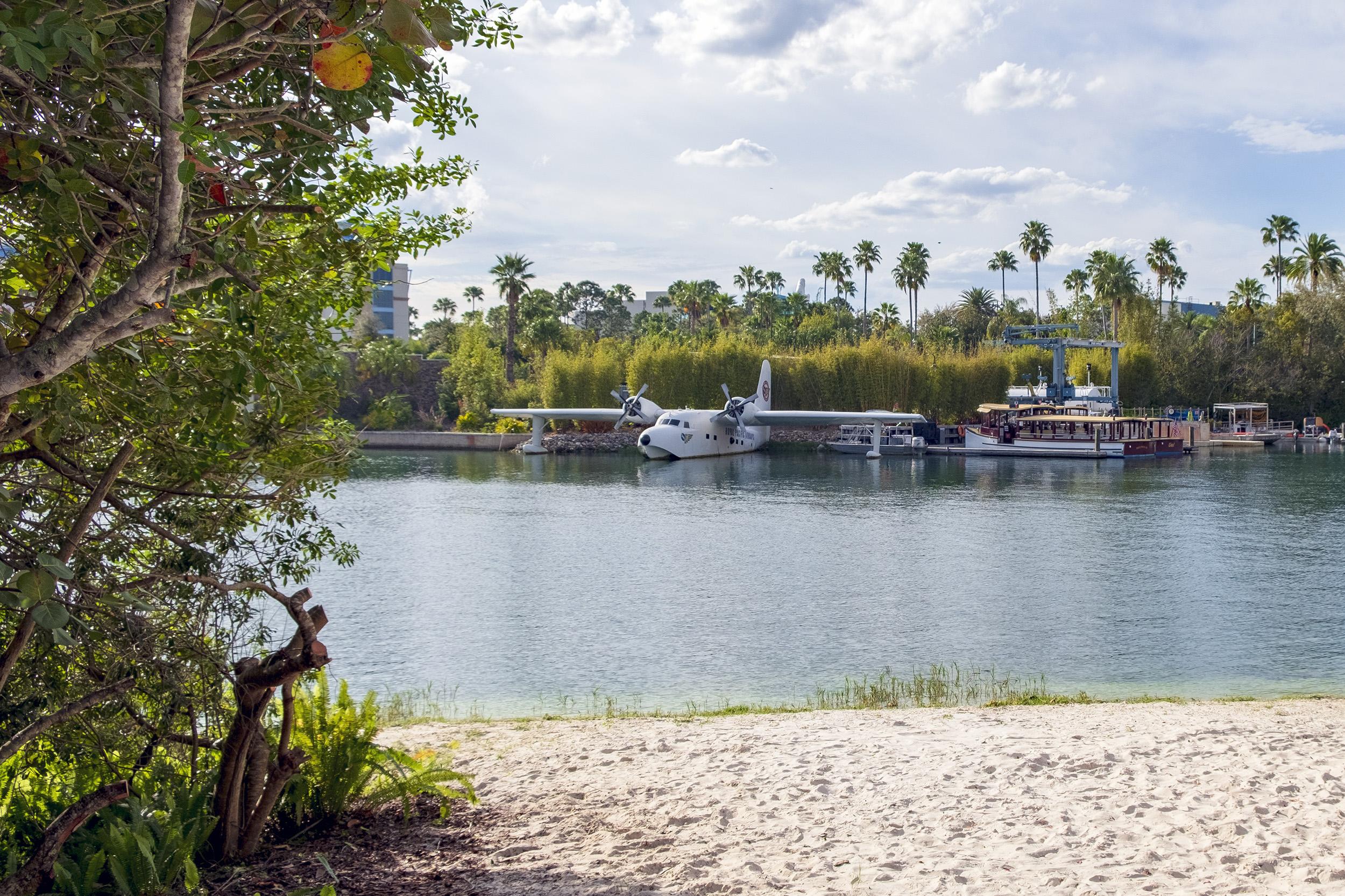 Loews Royal Pacific Resort Universal Orlando strand