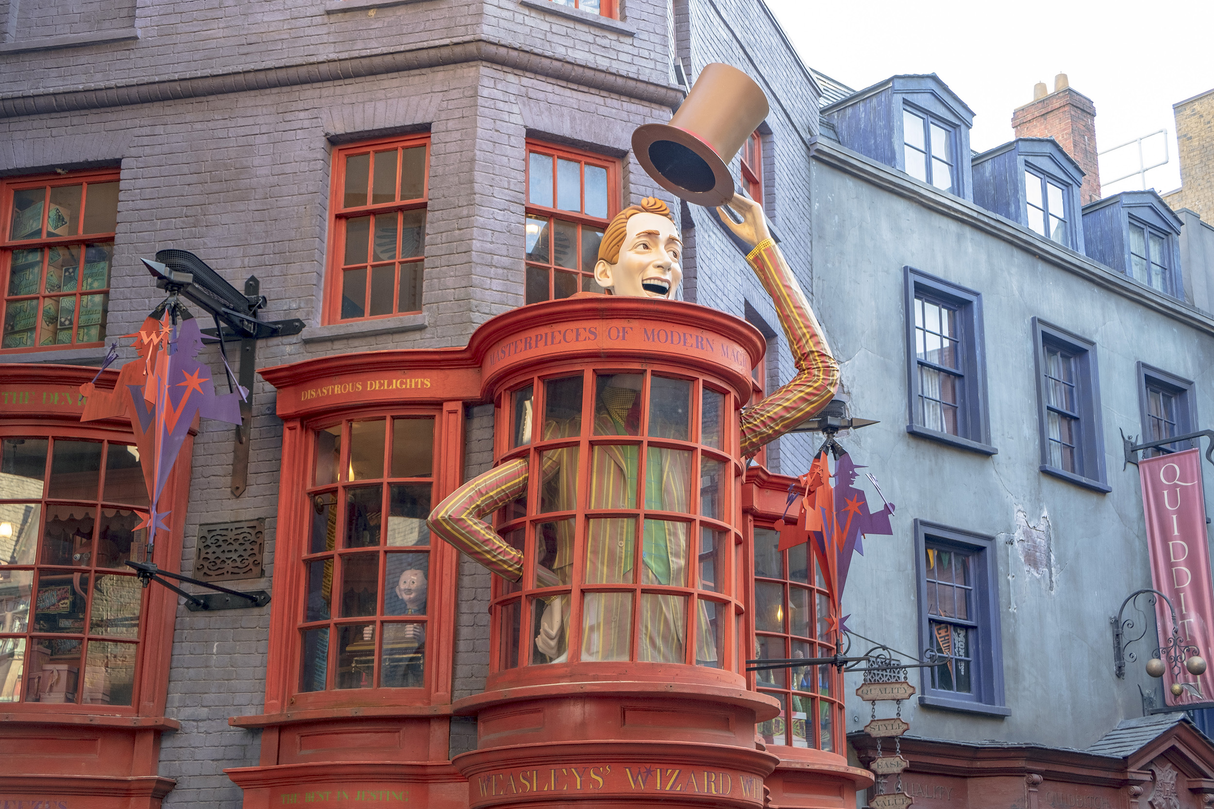 Weasleys Wizard Wheezes Diagon Alley The Wizarding World of Harry Potter Orlando