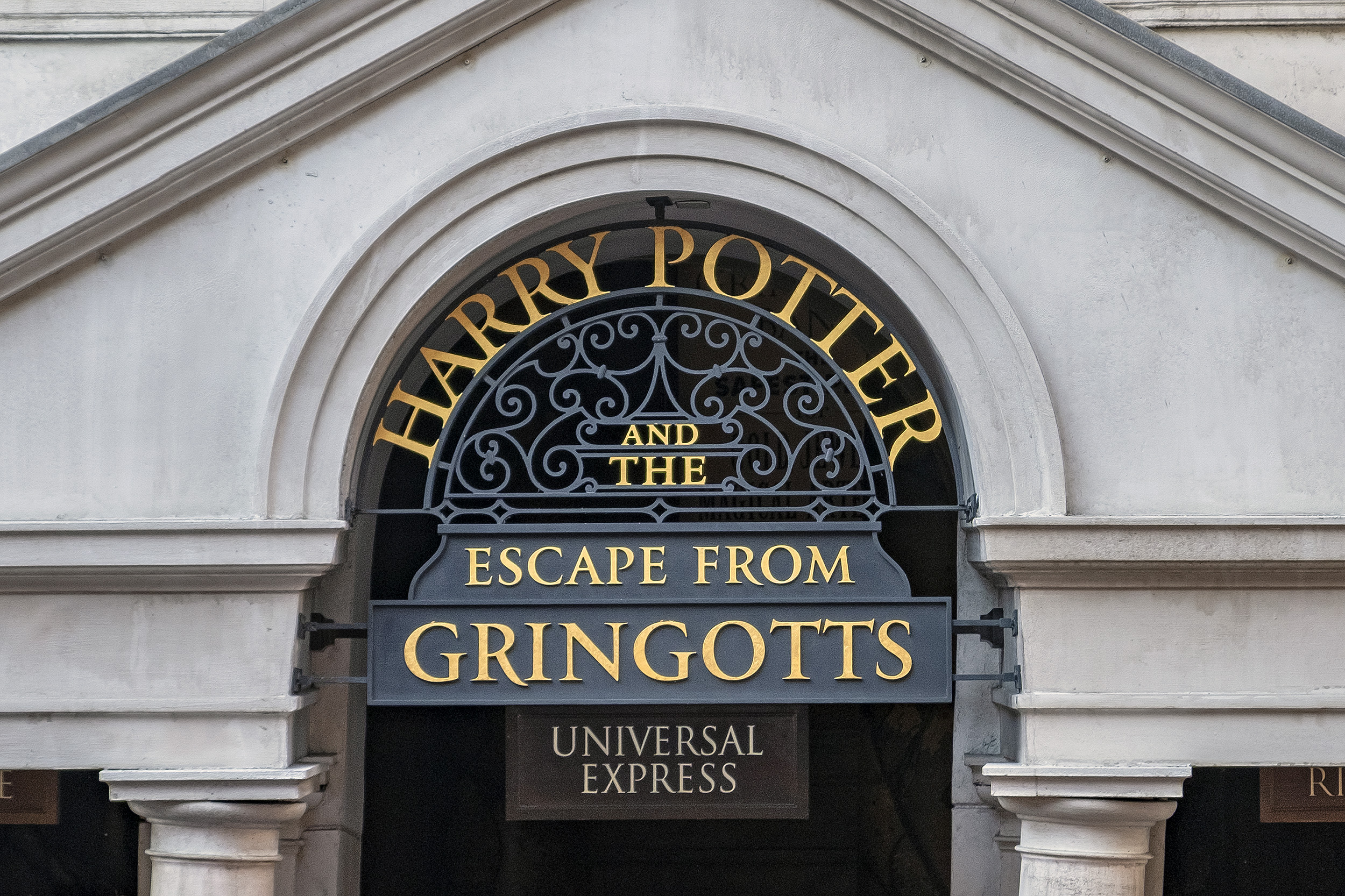 Harry Potter and the Escape from Gringotts. The wizarding world of harry potter.