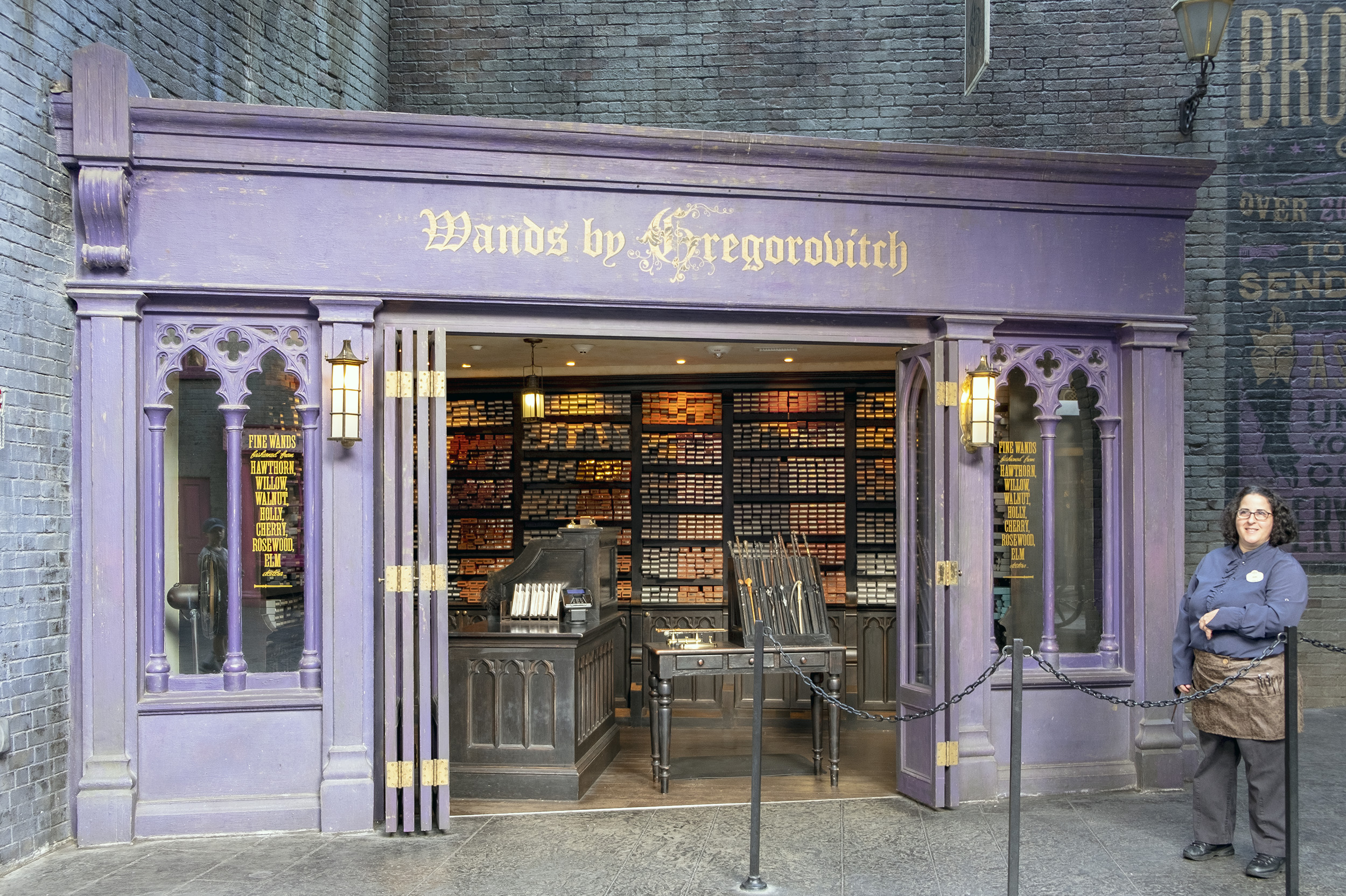 Diagon Alley Wands by Gregorovitch The Wizarding World of Harry Potter Orlando