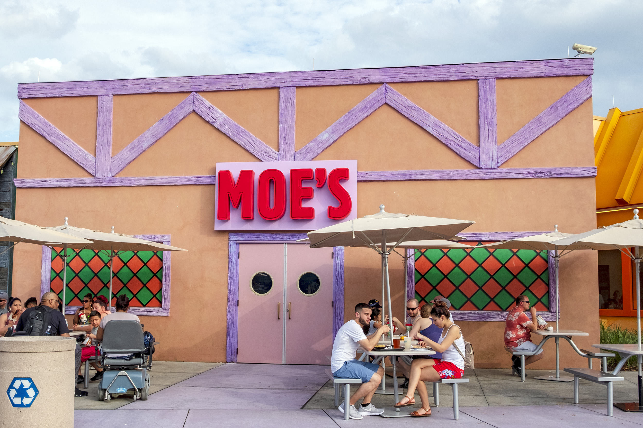 Moe's Tavern Simpsons Universal Studios Florida