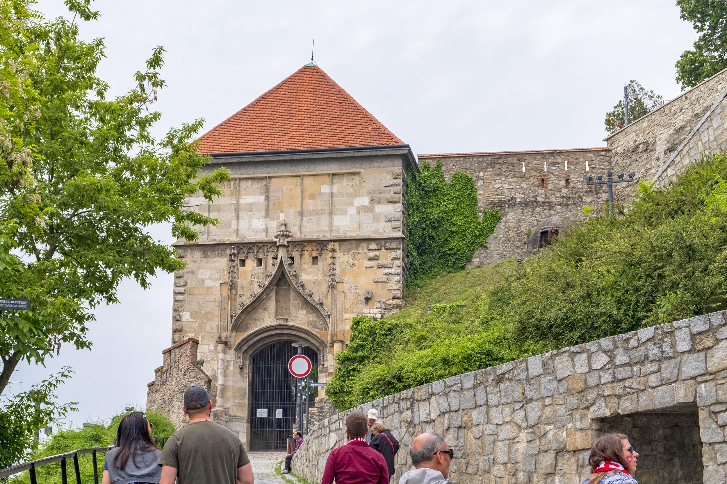 Sigismunds Gate Slottet i Bratislava