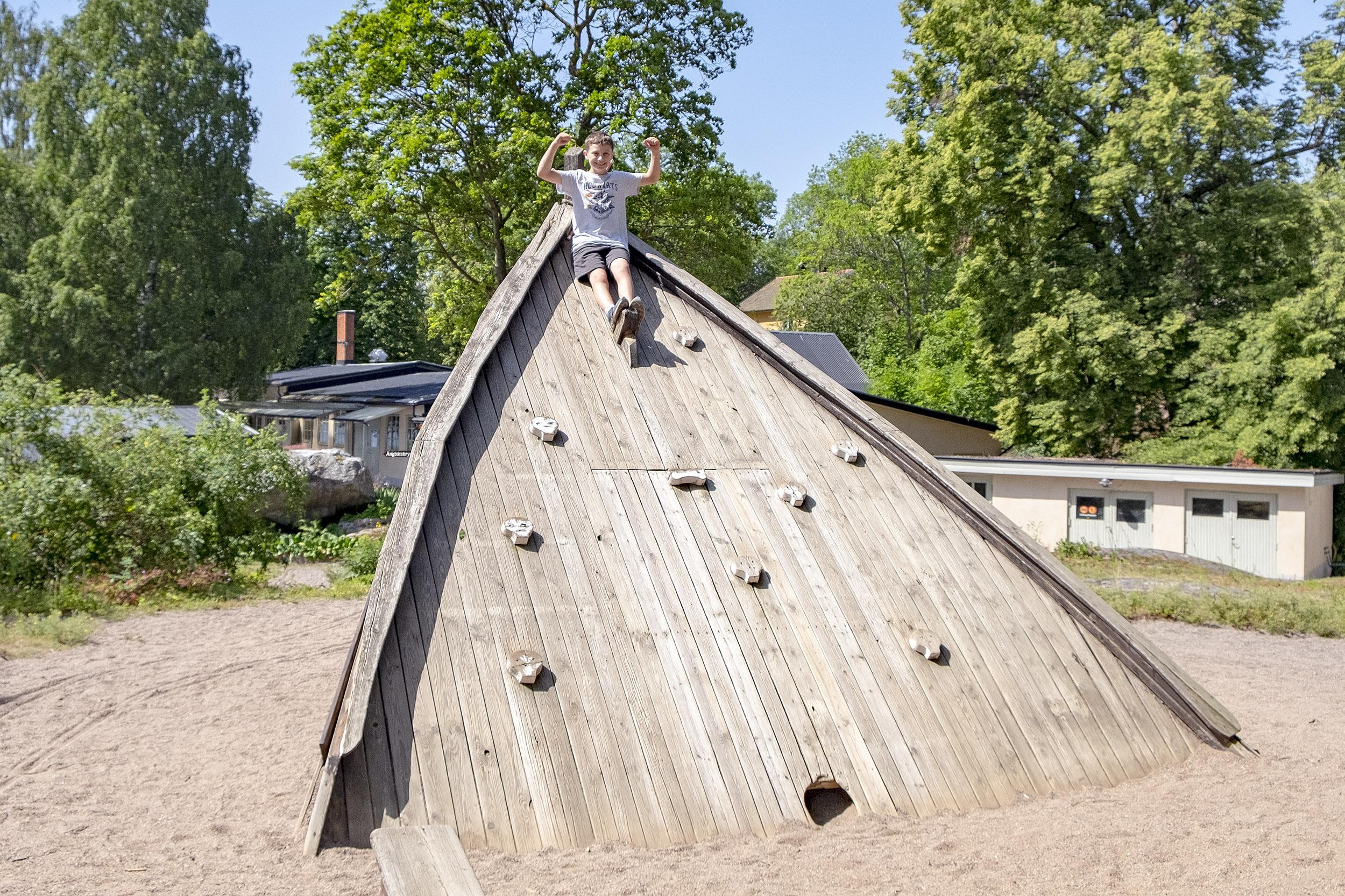 Lekplats Fjäderholmarna Stockholm med barn