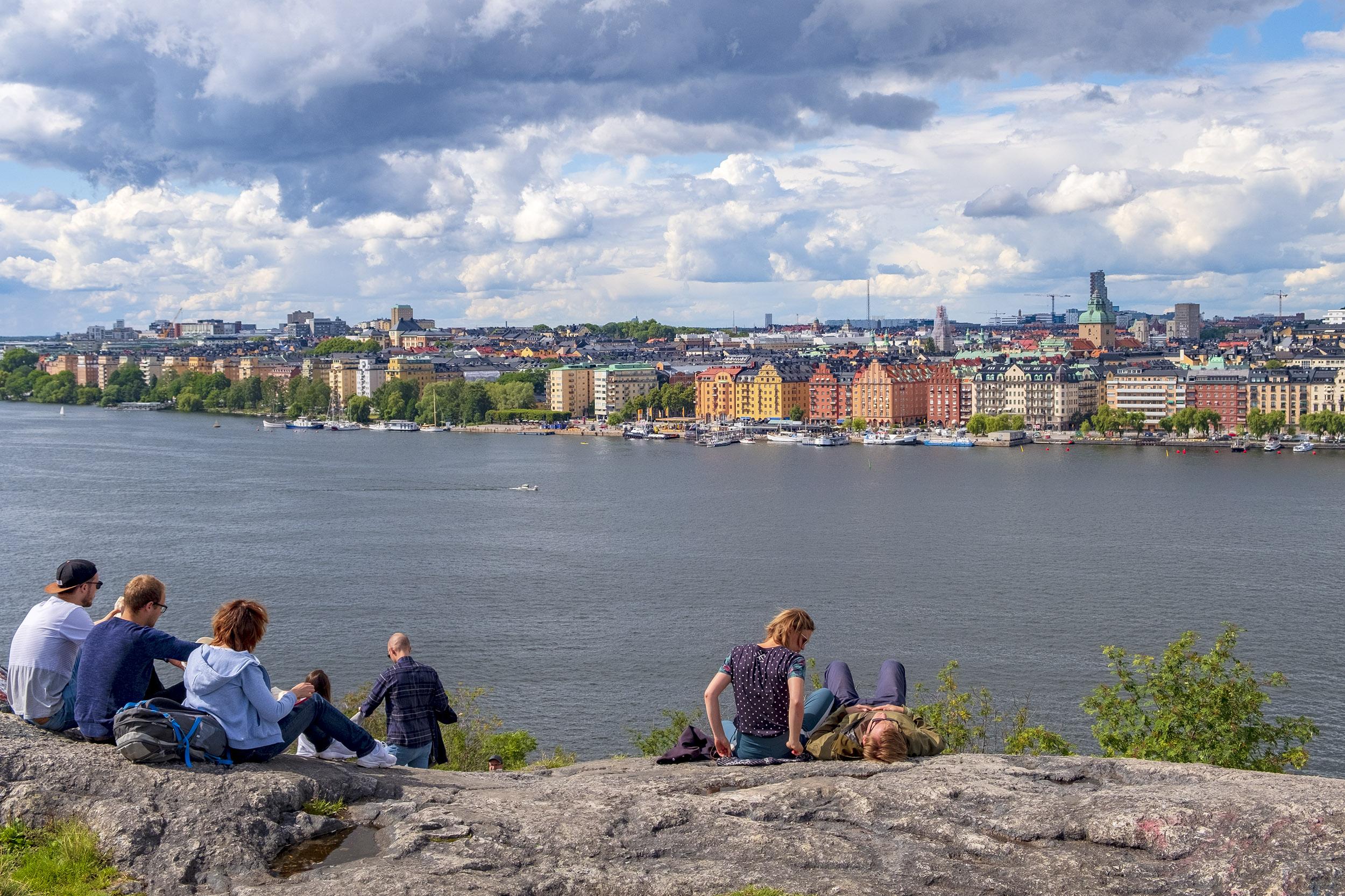 Utsikt över Kungsholmen från Skinnarviksberget på Söder i Stockholm