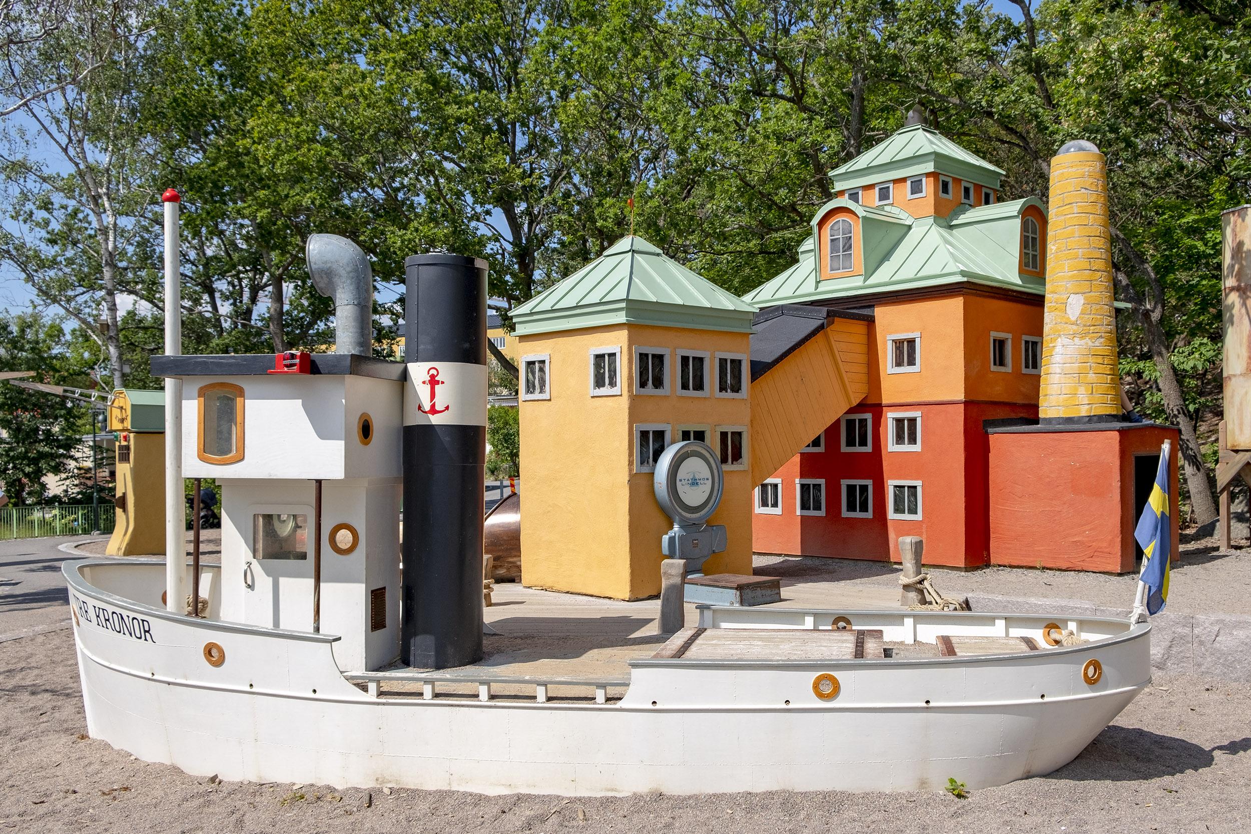 Lilla kvarnholmen lekplats båten tre kronor