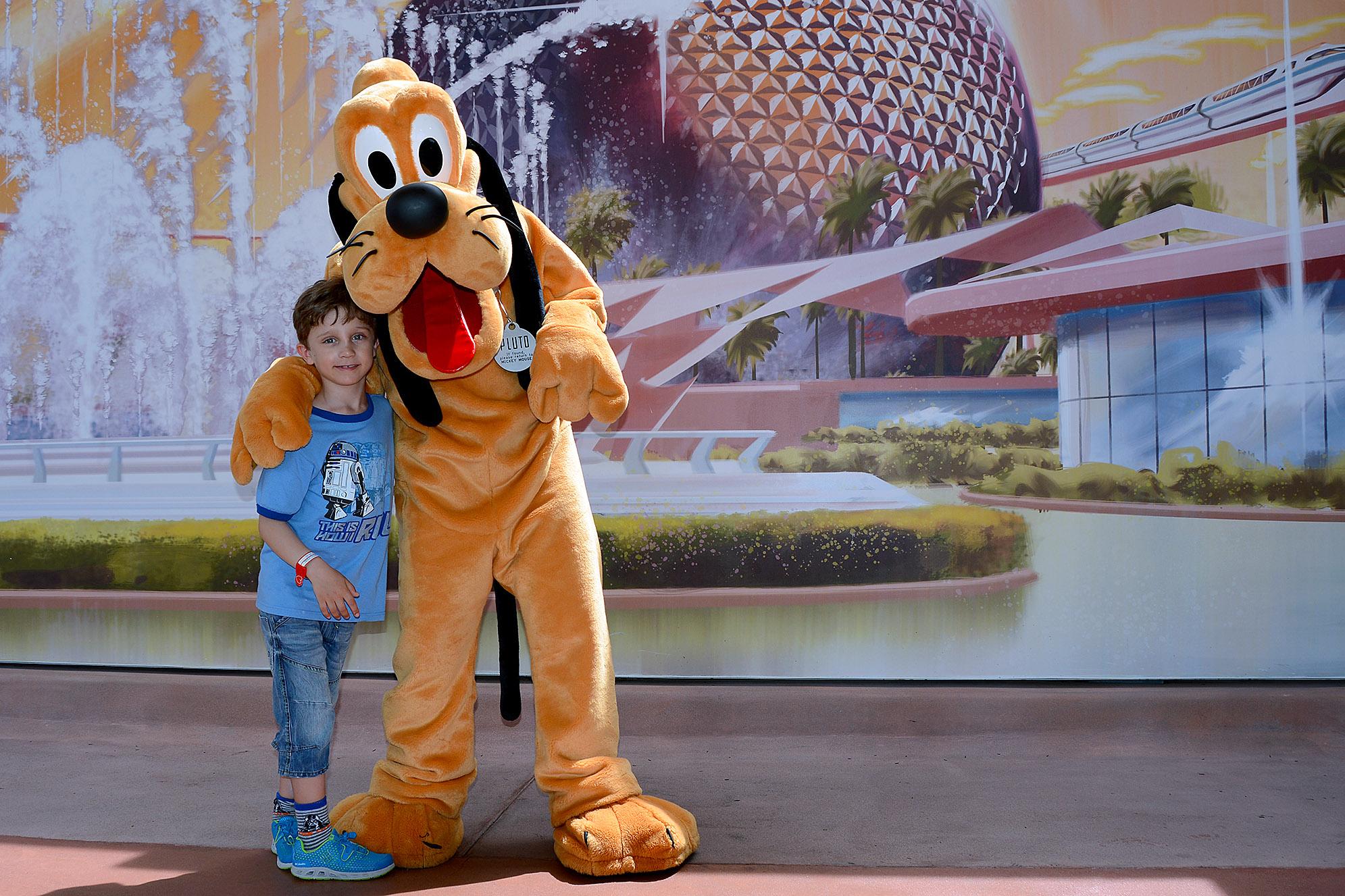 Pluto Epcot Walt Disney World