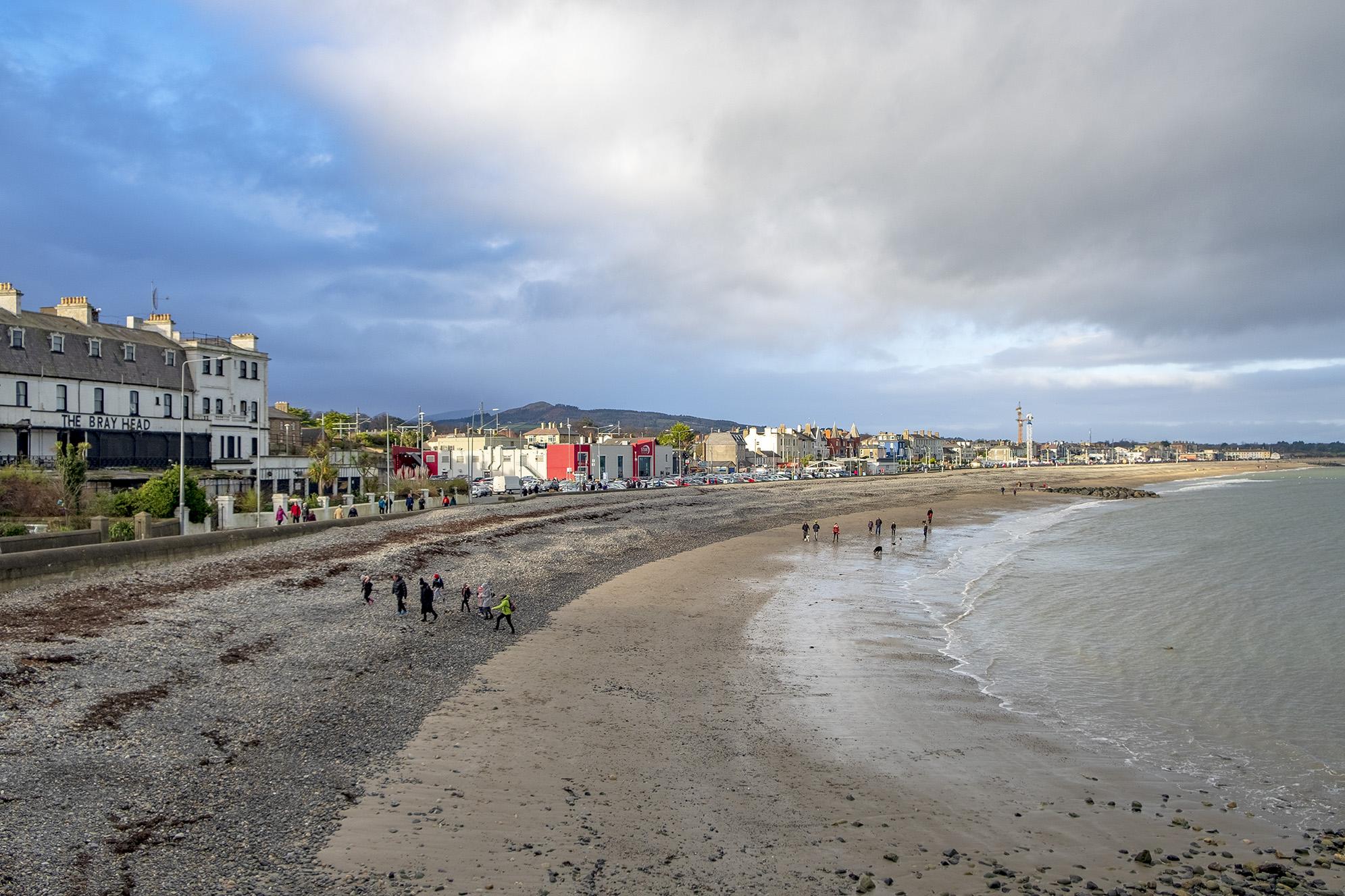 Stranden i Bray. Irland.