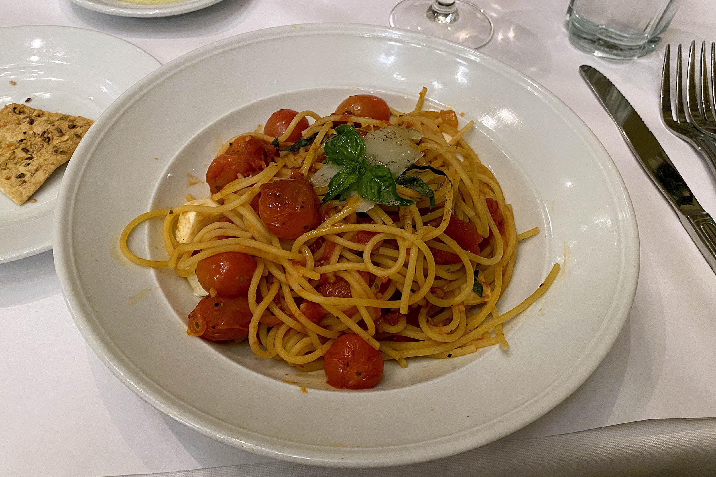 Pasta på BRIO Tuscan Grille.