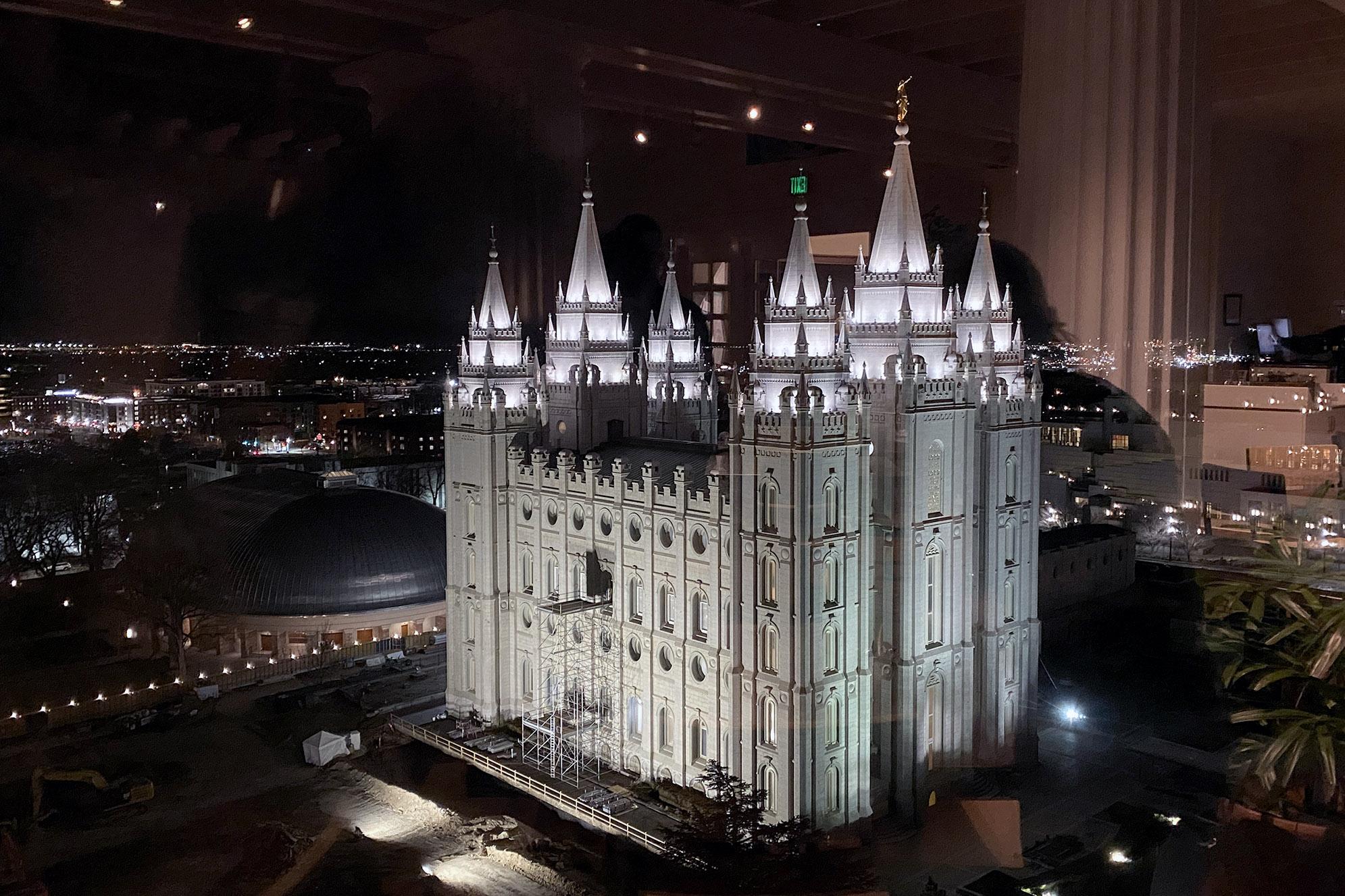 Utsikt över Salt Lake Temple från The Garden Restaurant.