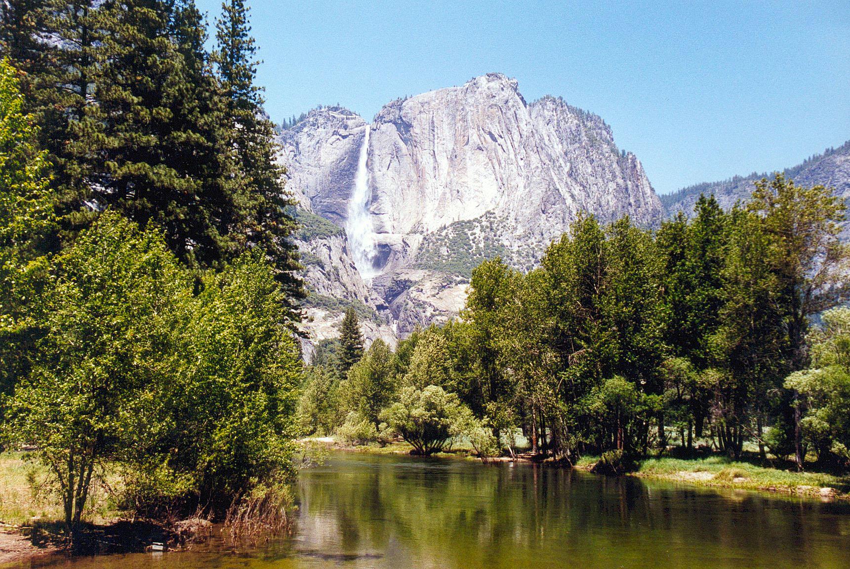 Lehamite Falls i Indian Canyon i Yosemite National Park i Kalifornien.