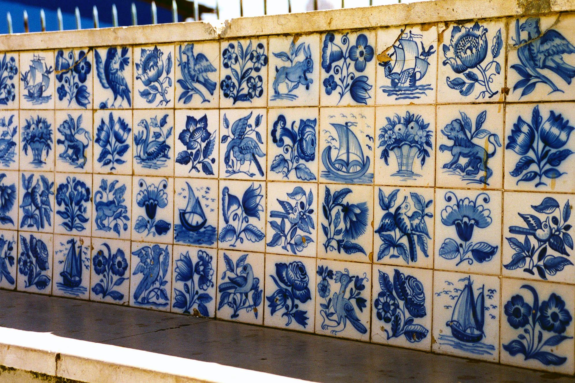 Azulejo The Miradouro de Santa Luzia Lissabon
