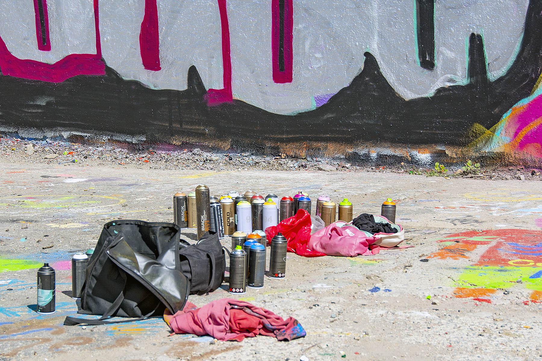 Street art sprayburkar