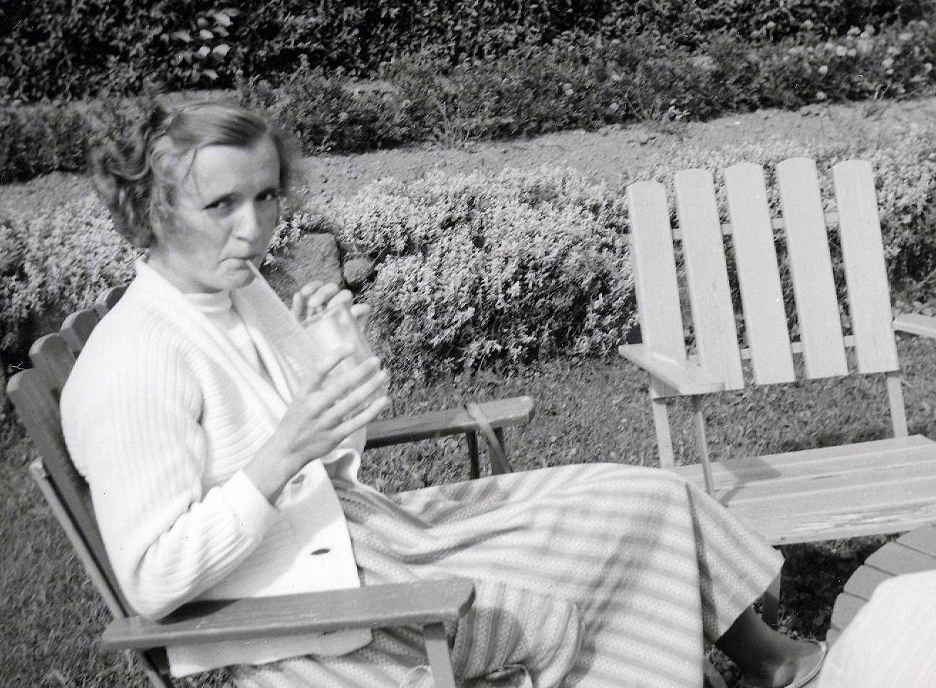 Mamma dricker saft 1959